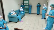 RSHS Bandung Catat Lonjakan Pasien Corona, Nakes Gelar Doa Bersama