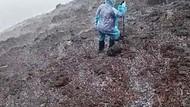Pendaki Ungkap Lebatnya Hujan Es yang Guyur Gunung Slamet Kemarin