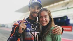 Miguel Oliveira, Trofi Juara, dan Adik Tercinta Calon Istrinya