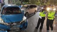Sebuah Mobil Tabrak 2 Taksi di Kawasan Simpang Lima Semarang