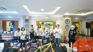 Bamsoet Undi Giveaway Sepeda Bareng Olivia Zalianty & Alicia Key