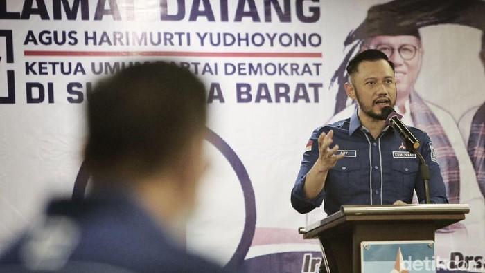 Ketum Partai Demokrat, Agus Harimurti Yudhoyono (AHY) mengunjungi Padang untuk mendukung pasangan Mulyadi-Ali Mukhni (Jeka Kampai/detikcom)