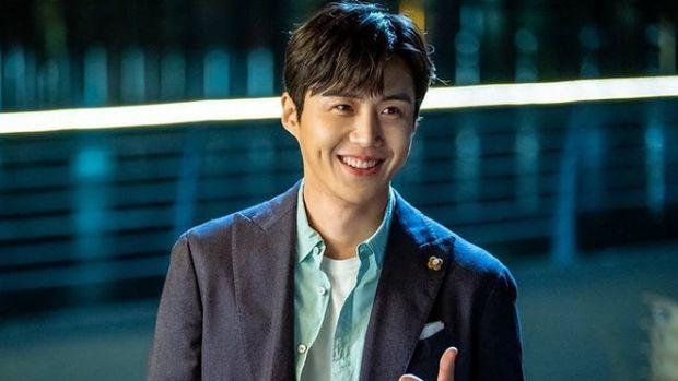 Kim Seon Ho pemeran Han Ji Pyeong dalam drama Korea Start-Up