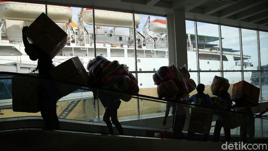 Melihat Pelayanan Kapal Pelni Dorolonda di Era New Normal