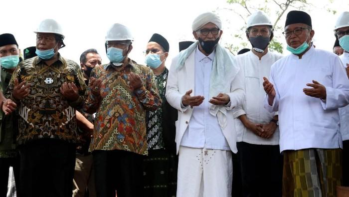 Pengurus Besar Nahdlatul Ulama (PBNU),  meresmikan Masjid An-Nahdloh dan Ground Breaking Asrama Santri Pondok Pesantren An Nahdliyah Padamulya, Kabupaten Kuningan.
