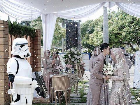 Pernikahan Star Wars | USS Feed