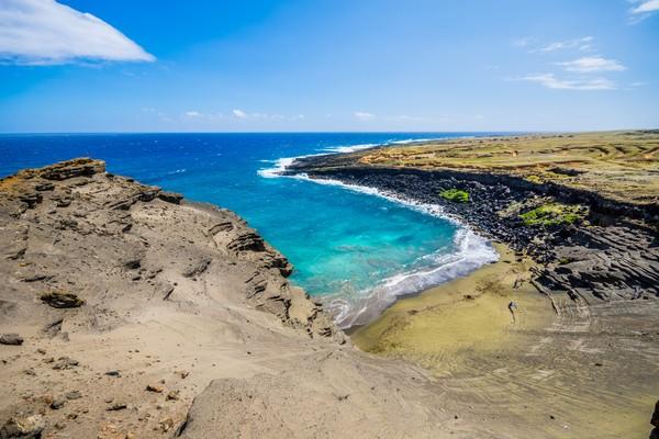 Pantai Papakolea terletak di dekat South Point, Distrik Kau, Pulau Hawaii besar(Getty Images/iStockphoto)