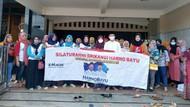 Beri Dukungan, Ibu-ibu Datangi Rumah Paslon Pilkada Rembang