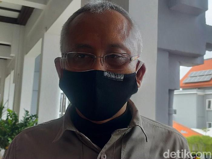 Wakil Ketua Komisi II DPR RI Ari Wibowo melakukan kunjungan kerja di Surabaya. Pihaknya membahas kesiapan penyelenggaraan Pilkada di Surabaya.