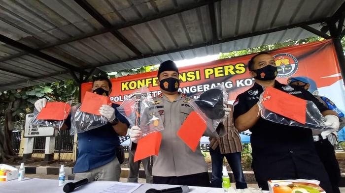 Polsek Jatiuwung Merilis Tersangka Pembunuhan Pengusaha Nugget