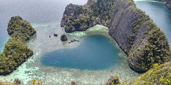 Laguna Cinta dari Raja Ampat ini makin hari makin cantik. (Istimewa)