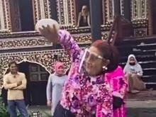 Edhy Prabowo Ditangkap KPK, Netizen Bagikan Video Bu Susi Menari Piring
