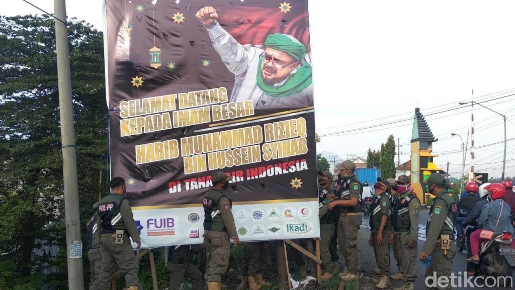 Sekilas Jatim: Baliho Habib Rizieq Diturunkan-Kasus Sekeluarga Curi Kotak Amal