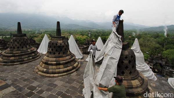 Penutupan stupa sudah berlangsung selama 3 Minggu.