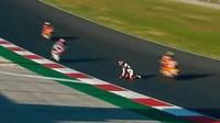 Video Detik-detik Rider Moto2 Aron Canet Nyaris Ketabrak 6 Motor