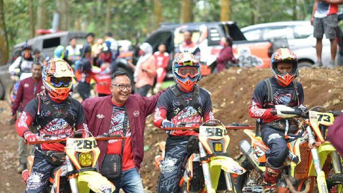Ajang Duracore Indonesia Enduro Rally Championship (IERC) 2020 sudah selesai. Tim Gudang Garam Enduro Team (GGET) merajai kompetisi offroad nasional itu.