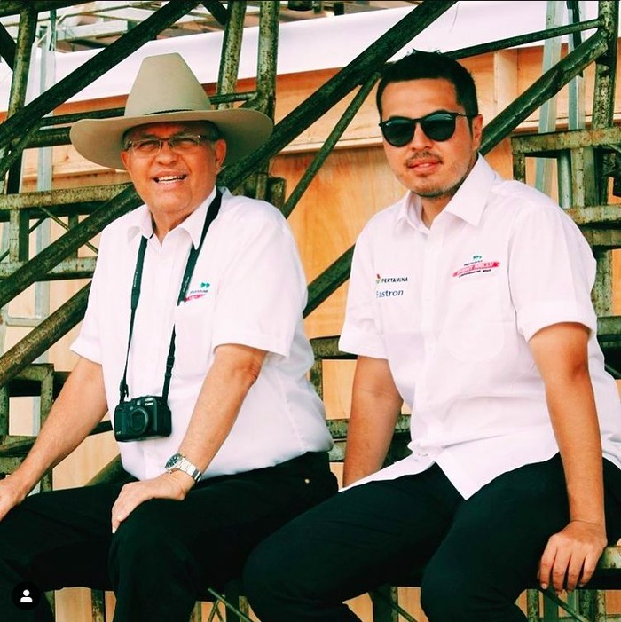 Helmy Sungkar (Kiri) dan Rifat Sungkar (kanan)