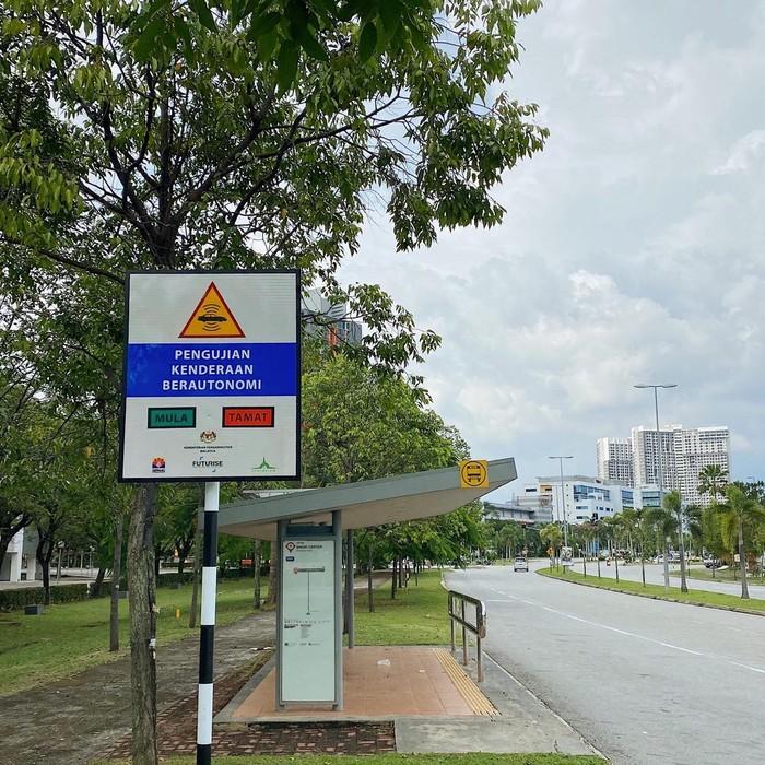 Malaysia Uji Coba Mobil Otonom