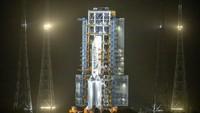 Pesawat robotik China Change 5 meluncur untuk mengambil bebatuan di bulan. Bebatuan tersebut akan dibawa kembali ke Bumi untuk diteliti.