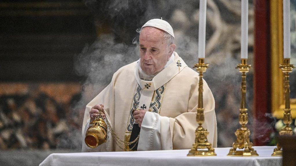 Respons China Soal Paus Fransiskus Sebut Uighur Dipersekusi