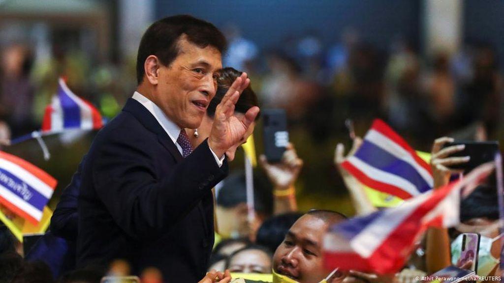 Raja Thailand Bisa Diusir Jika Memerintah dari Jerman