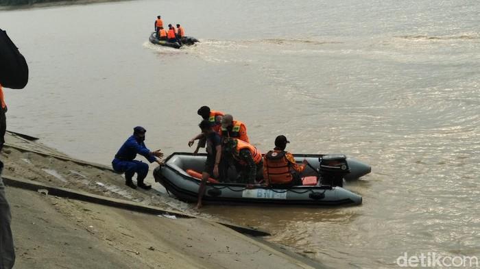 Ada 75 desa di Lamongan yang awan kena bencana hidrometeorologi. Puluhan desa tersebut berada di sekitar Sungai Bengawan Solo dan Sungai Bengawan Njero, anak Bengawan Solo.