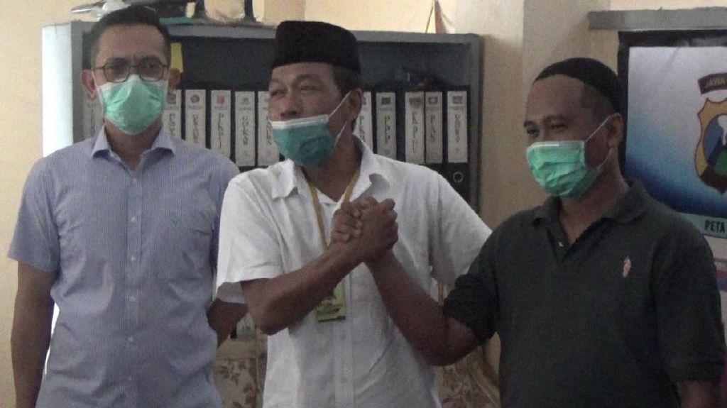 Ricuh Dua Kelompok Saat Aksi Tolak FPI di Surabaya Berakhir Damai