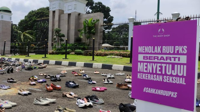 Demo massa mendesak DPR sahkan RUU PKS