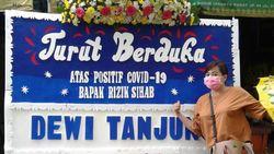 Dewi Tanjung Kirim Karangan Bunga ke Rizieq: Saya Doakan Sembuh COVID