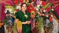 Viral Haji Ajis Kalla Lamar Wanita Cantik, Panai Rp 300 Juta & Rumah Rp 3 M!