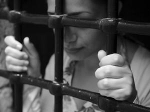 Kisah Tragis Transgender Wanita yang Masuk Penjara Pria