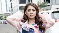 Jenita Janet Ungkap Posisi Favorit Kala Bercinta