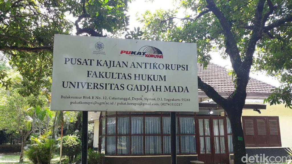 2 Tahun Jokowi-Maruf, Pukat UGM: Presiden Tak Punya Perhatian Berantas Korupsi
