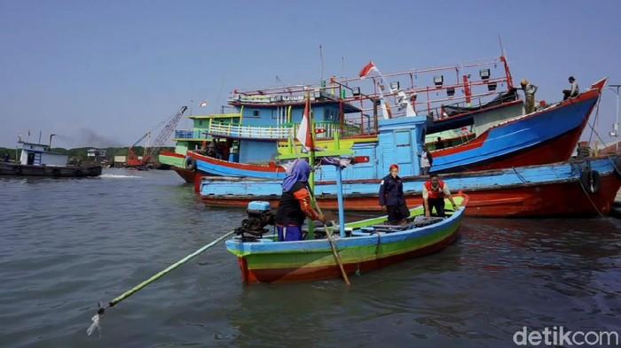 Pelabuan Perikanan Nusantara Kota Pekalongan.