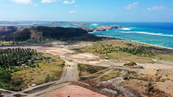 Pengembangan Mandalika sebagai 5 Destinasi Super Prioritas terus dikebut, terutama menjelang penyelenggaraan MotoGP Mandalika pada 2021. Mandalika berada di Lombok, Nusa Tenggara Barat. Kawasan bahari ini bisa menjadi destinasi alternatif selain Bali dan Gili. Istimewa/PTPP (Persero) Tbk