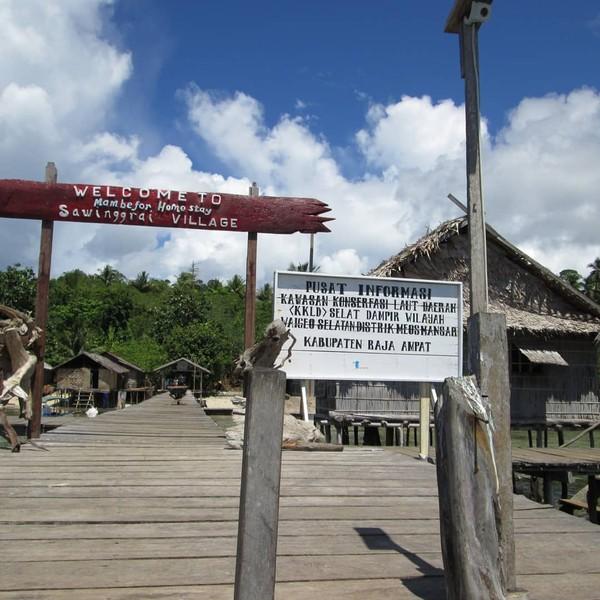 Sasi merupakan aturan adat yang disepakati bersama masyarakat Kepulauan Raja Ampat, sehingga tidak ada orang yang berani melanggarnya.
