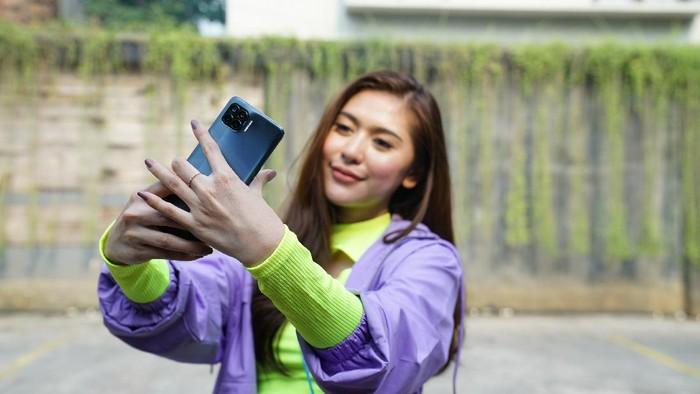 Selfie dengan smartphone