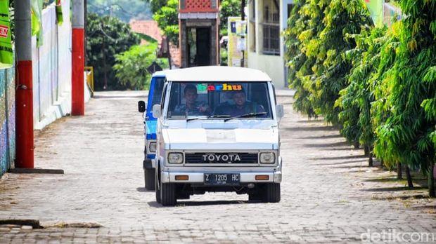 Wagub Jabar Uu Ruzhanul Ulum Dinas Pakai Toyota Kijang Doyok Jadul
