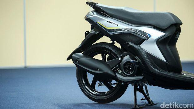 PT Yamaha Indonesia Motor Manufacturing (YIMM) memasarkan motor ke-3 yang diluncurkan pada bulan November ini. Setelah Aerox Connected dan Nmax Standar Connected, kini Yamaha Gear bisa menjadi pilihan pemotor Indonesia.