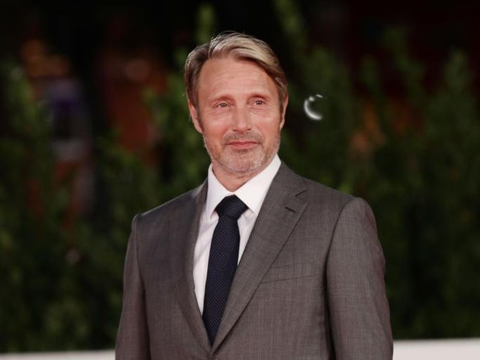 ROME, ITALY - OCTOBER 20:  Mads Mikkelsen attends the red carpet of the movie Druk during the 15th Rome Film Festival on October 20, 2020 in Rome, Italy. (Photo by Vittorio Zunino Celotto/Getty Images for RFF)