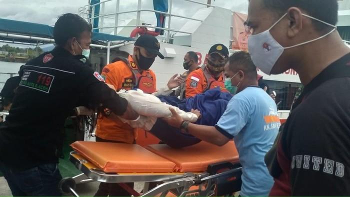 Tim SAR berhasil menyelamatkan OI (35).
