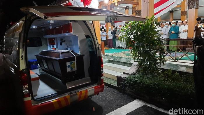 Bupati Situbondo Dadang Wigiarto positif COVID-19 meninggal