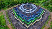Viral, Kisah di Balik Foto Candi Borobudur yang Warna-warni