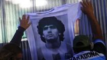 Duka Cristiano Ronaldo-Lionel Messi, Maradona Meninggal Dunia