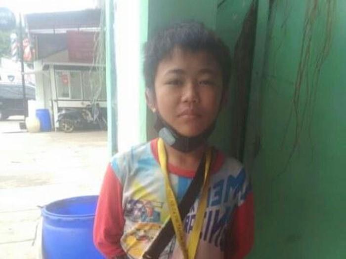 Bocah 11 tahun bernama Gilang Sabil Ramahdan yang menjadi tulang punggung keluarga