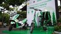 Kini Turis di Bali Bisa Jalan-jalan Naik Motor Listrik