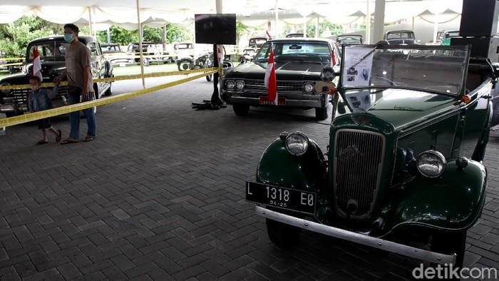 Pameran mobil klasik digelar di Yogyakarta. Di sana pengunjung dapat melihat beragam mobil klasik yang pernah digunakan Soekarno hingga Sultan Hamengkubuwono IX