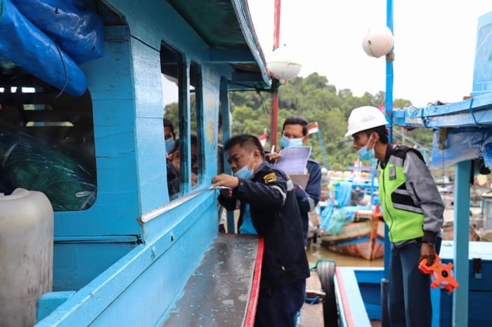 Kementerian Perhubungan cq. Ditjen Perhubungan Laut mencatat per 26 November 2020 telah menerbitkan 69.464 pas kecil untuk kapal tradisional dan nelayan.