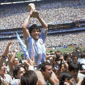 Menjadi Diego Maradona itu...
