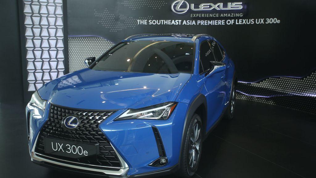 Mobil listrik Lexus UX 300e